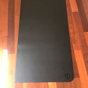 Lululemon reversible yoga mat black